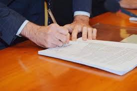 Il ministro Speranza ha firmato: la Puglia resta in zona arancione - Il  Quarto Potere