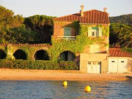 saint tropez house feet in the water 34 m2 in a property on the beach
