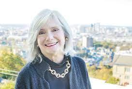 Women in Business: Antoinette Flowers - LAH Real Estate -  villagelivingonline.com