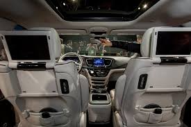 2018 chrysler pacifica interior. plain interior 2017 chrysler pacifica interior throughout 2018 chrysler pacifica