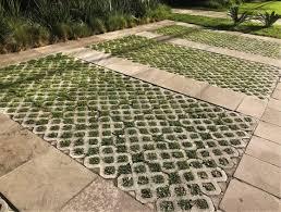 O pisograma da quitaúna blocos é conhecido por proteger a grama contra esmagamento e por ter característica permeável, que ajuda na absorção da água e na não formação de poças. Fabricante De Pisograma Para Estacionamento Vila Leopoldina Pisograma Concreto Rm Artefatos De Concreto Cobogos