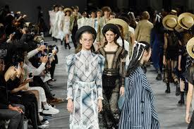 Galliano Italian Designer John Galliano Rtw Spring 2019 Wwd
