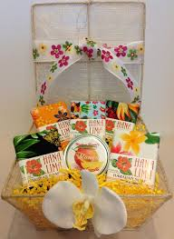 hawaii gifts for people who travel images 66 best hawaii 39 s gift baskets images gift