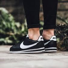 wmns nike classic cortez leather black white women casual shoes 807471 010