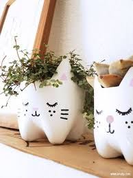 Milk Bottle Decorating Ideas Diy Kitty Planters from Plastic Bottles Diy recycle Plastic 40