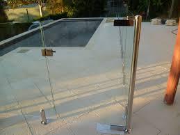 full frameless pool fencing with hydraulic gate 02