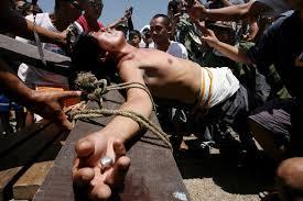 Resultado de imagen para Crucifixión real en filipinas