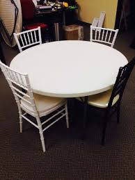 4 resin chairs around 48 inch table