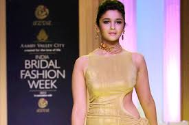 Amazing ideas indian bridal jewellery designs Sari Azva And Alia Bhatt Launch New Gold Bridal Jewellery Collection At India Bridal Fashion Week 2013 Fashion Azva And Alia Bhatt Launch New Gold Bridal Jewellery Collection At