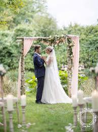 Wedding ideas for summer Theme Ideas 2019 Summer Wedding Ideas Lakeside Wedding Nikki Kirk Photography 2019 Summer Wedding Ideas Nikki Kirk Photography