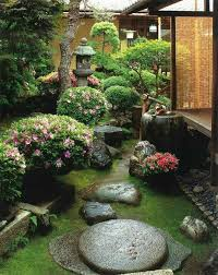 10 most inspired garden decorations for