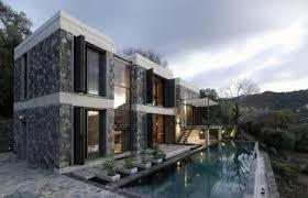 COM  Modern Stone House