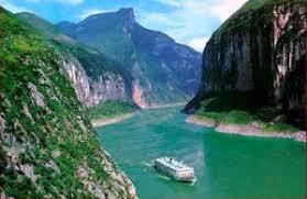 Реферат по география и икономика Китай Реферат от История  В Китай има множество реки чиято обща дължина е 220 000 км Те образуват вътрешни и външни системи Вътрешните реки са Яндзъ Хуанхъ Хъйлундзян Джудзян