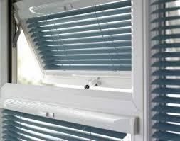 bathroom blinds. bathroom blinds o