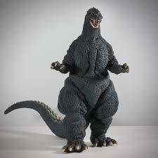 This figure is not perfect as it has a bum upper lip and in accurate dorsal plates. Full Review X Plus Toho 30cm Yuji Sakai Godzilla 1989 Osaka Landing Vinyl Figure Kaiju Addicts