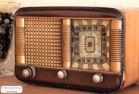 Resultado de imagen para fotos de radios antiguas de madera