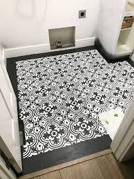 got ugly vinyl floors with this step by step tutorial you can learn how to