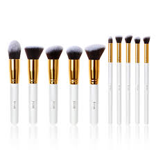 Our Brushes are very easy to clean and suitable for all the skins types.