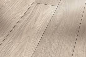 image of extra wide plank laminate flooring
