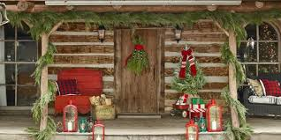 Cozy rustic outdoor christmas decoration ideas Ruth Outdoor Christmas Decorations Country Living Magazine 40 Outdoor Christmas Decorations Ideas For Outside Christmas Porch