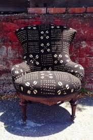 la known in malian culture as b ò g ò lanfini or bogolan west african mud cloth is an ancient practice that dates back hu