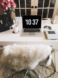 10 chic office accessories