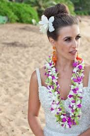 kauai hawaii wedding with bridesmaid and flowers girls in pretty Hawaii Wedding Hair And Makeup we love how this bride did her hair and makeup for her hawaiian wedding! { kona hawaii wedding hair and makeup