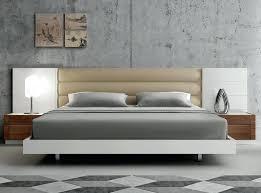 White modern platform bed Unique Platform White Platform Bed Modern Platform Bed With Upholstered Headboard Motif Design Aura White Platform Bed Queen Marthafashioninfo White Platform Bed Marthafashioninfo