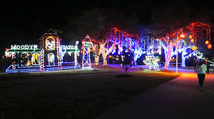 Moody Gardens Festival Of Lights Times Moody Gardens Opens Winter Wonder Island Uhcl The Signal