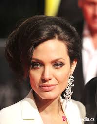 Angelina Jolie Hair Style angelina jolie hairstyle easyhairstyler 7712 by wearticles.com