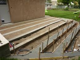 Construire Une Terrasse En Composite Presentation Comment Faire Tenir Une Terrasse Boien Bord De Piscine