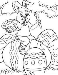 Gestalte doch die einzelnen bestandeile (zum beispiel das osterei) mit unterschiedlichen materialien, um den hasen besonders bunt und fröhlich zu machen. Kostenlose Ausmalbilder Ostern Osterhase Bemalt Ein Ei