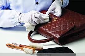 how to clean leather purse