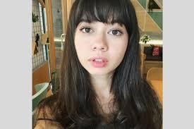 Wajah bulat memang sering disebut tak cocok menggunakan potongan rambut pendek. 7 Model Rambut Yang Cocok Untuk Wajah Bulat Terbaru