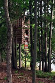 invisible tree house hotel. Lake Muskoka Tree House, Canada Invisible House Hotel