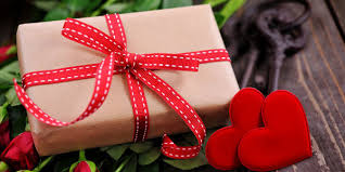 The ultimate 2021 valentine's day gift guide. Top 10 Valentine S Gifts For Your Girlfriend Gift Ideas Roses