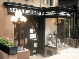 new york city descriptive essay how much do you need to live in  cuisine of new york city serendipity 3 is a popular restaurant in the upper east side