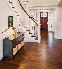 create a stunning entryway or lovely kitchen by choosing vinyl flooring