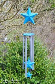 Make your own fabulous garden art with this handmade wind chimes tutorial!  It makes a