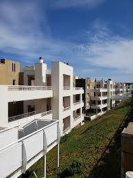 Moderna cocina equipada con family room. Espectacular Duplex Con Bajada Directa A La Playa Ac Partners