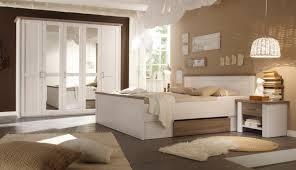 Luca 1 Schlafzimmer Komplettset Bett Kleiderschrank Set Pinie Weiß