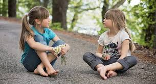 Resultado de imagem para imagens de crianças pequenas ficando adulta