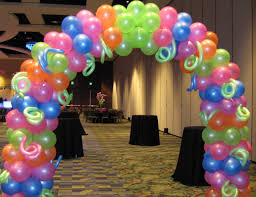 Decorating With Balloons Picture Perfect Prom Theme Items Company Special Event