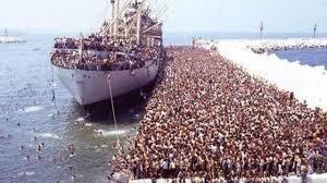 """Résultat de recherche d'images pour """"bateau immigrés italie"""""""