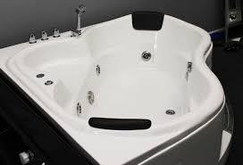 3 person jacuzzi bathtub ideas