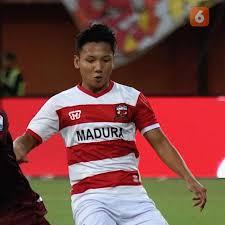 €150th.* apr 25, 1999 in banjarnegara, indonesia. Profil Syahrian Abimanyu Kandidat Pemain Muda Favorit Indonesian Soccer Awards 2019 Bola Liputan6 Com