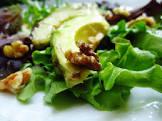 avocado  lettuce and walnut salad with honey dressing