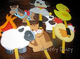 but then i decided the animals needed a barn suddenly i realized this would be perfect visual aids for old mcdonald i love making crafts that are