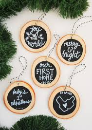 How to make DIY chalkboard wood slice christmas ornaments. Super easy and a  great handmade