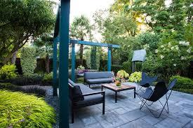small garden gets tropical makeover
